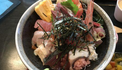 石川県七尾市で美味しい海鮮丼を食べたい!定食屋「一歩」はコスパ最高!!